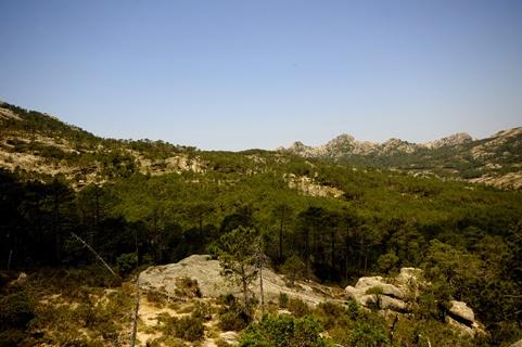 Ciel et terre dans le paysage de la Corse